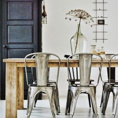 Best Scandinavian Home Design Ideas. 21 Outstanding Interior European Style Ideas That Will Inspire You This Summer – Cosy Interior. Best Scandinavian Home Design Ideas. Dining Room Design, Dining Room Chairs, Side Chairs, Metal Chairs, Dining Table, Dining Rooms, Industrial Chair, Vintage Industrial, Industrial Style