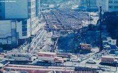 Mão de Vaca: É do seu tempo? Obras do Metrô no Largo do Machado. 1976. Esse grande buraco é a rua do catate e essa rua em primeiro plano é a Barão do Flamengo onde fica hoje a praça José de Alencar que pela foto parece que foi removida para obra.