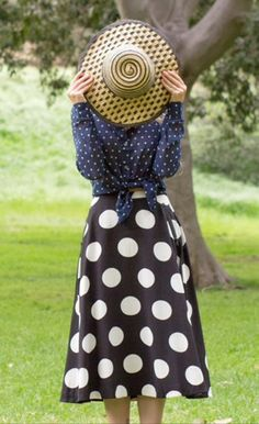 It's time to embrace bold patterns! Check out our May and June summer floppies for your splash of pattern. Modest Outfits, Cute Outfits, Frock And Frill, Dress Me Up, Passion For Fashion, Dress To Impress, Style Me, Street Style, Style Inspiration
