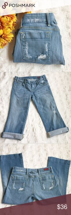 Citizens of Humanity Cropped Jeans Size 29 Great condition! Size 29. Inseam is 29 inches long. Has the Distressed look. Light Wash. These are super cute folded too! Citizens of Humanity Jeans Ankle & Cropped