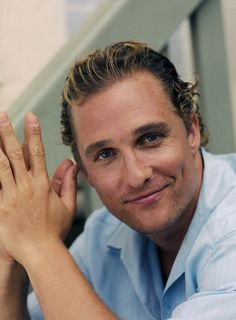 I don't normally post celebrity photos, but for Matthew, I'll make an exception. :) So darn handsome! Matthew Mcconaughey, Livingston, Celebrity Hairstyles, Cool Hairstyles, Stylish Eve, Famous Men, Gorgeous Men, Beautiful Guys, Hello Gorgeous