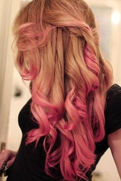 Blonde to pink ombre in perfect big curls. Similar curls could be achieved with a 32mm wand