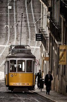 Elétrico amarelo, Lisboa.