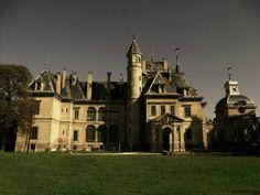 "Az ""Operaház kistestvére""-ként emlegetett Schossberger-kastély Heart Of Europe, Palaces, Hungary, Castles, Louvre, Mansions, House Styles, Building, Pictures"