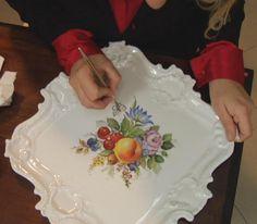Decorazioni artistiche su porcellana e gioielli in porcellana - Loredana Corbo.