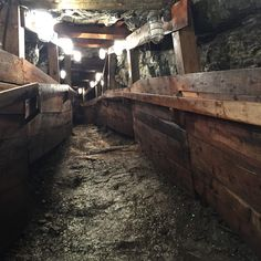 This 2 Km Trail Will Lead You Through Ancient Mine Tunnels In Ontario - Narcity O Canada, Canada Travel, Nature Adventure, Adventure Awaits, Places To Travel, Places To Go, Ontario Travel, Trail Guide, The Dark Crystal