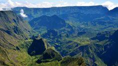 #Mafate : la population est un peu oubliée et heureusement qu'il y a le #Tourisme Venez profitez de la Réunion !! www.airbnb.fr/c/jeremyj1489