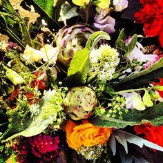 MT @cocoxochitl: Happy Easter! #bouquetoftheday: artichokes, statice, ranunculus, Queen Anne, sweet peas & centranthus.