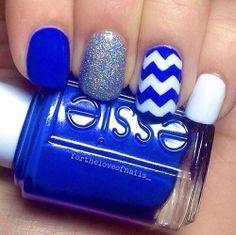 Blue chevron mani