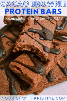 These cacao brownie vegan protein bars are full of plant protein, super tasty, and ready in 15 minutes. Plus, they are gluten-free and low-FODMAP. Banana Bread Cake, Blueberry Banana Bread, Gluten Free Blueberry, Vegan Banana Bread, Vegan Protein Bars, Protein Foods, Plant Protein, Protein Cake, Protein Muffins