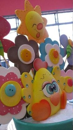 Más imágenes hermosas para toda ocasión: baby shower, muñecas, buhitos, collares, vírgenes, flores y otros... :: RT Decoraciones y algo más... Foam Crafts, Diy And Crafts, Crafts For Kids, Paper Crafts, Baby Shower Deco, Baby Shower Parties, Baby Shawer, Circus Theme, Ideas Para Fiestas