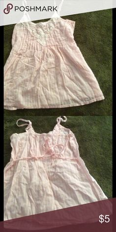 Pink tank top This pink tank has a pleated top with embroidered top. Adorable in the summer with white, denim, or black shorts. Mudd Tops Tank Tops