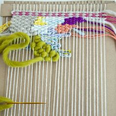 Whether you need to get out of a creative block or you're new to weaving, this technique is fun, easy & beautiful. There's also a video! Easy Crafts, Diy And Crafts, Arts And Crafts, Fabric Art, Fabric Crafts, Block Craft, Weaving Techniques, Textiles, Diy Craft Projects