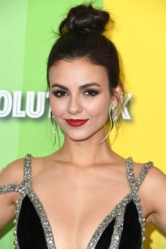 Victoria Justice - Get the latest clothes,outfits and style photos and videos today! Victoria Justice, Vicky Justice, Tori Vega, Celebs, Celebrities, Classy Women, Beautiful Actresses, Beautiful Women, Wwe Female