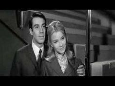 Charles Aznavour - Et pourtant Extrait du film de Michel Boisrond, « Cherchez l'Idole », film réalisé en 1963