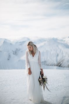 When Sydney wedding photographer JAMES FROST came to Lake Wanaka, New Zealand, the beauty, the majesty, and the sheer epic drama of the landscape demanded a beautiful bride and groom in the picture. LAKE WANAKA TOURISM pulled together their go-to dream te
