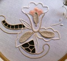 Cutwork Embroidery, Baby Embroidery, Hand Embroidery Designs, Cut Work, Arts And Crafts, Elsa, Crafty, Travel, Hand Embroidery Stitches