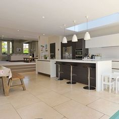 Kitchen confidential: Cool design ideas for the heart of your home Kitchen Family Rooms, New Kitchen, Kitchen Dining, Kitchen Ideas, Kitchen Extension Layout, Charcoal Kitchen, Open Plan Kitchen Diner, Kitchen Confidential, Open Plan Living