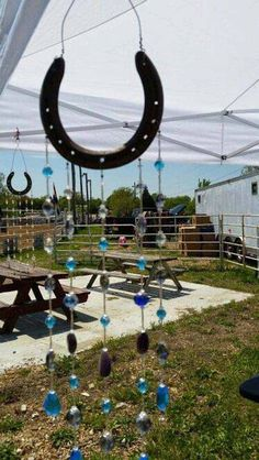31 epic horseshoe crafts to consider in a vibrant rustic decor 19 lucky horseshoe crafts surely attract interest solutioingenieria Choice Image