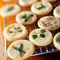 Diabetic Friendly Cookies: Hint-of-Herb Butter Cookies Best Christmas Cookie Recipe, Holiday Cookie Recipes, Christmas Cookies, Christmas Desserts, Christmas Recipes, Butter Chocolate Chip Cookies, Butter Cookies Recipe, Diabetic Cookie Recipes, Diabetic Foods