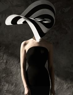 Legendary couture milliner Philip Treacy brings his iconic hats to Neiman Marcus. Philip Treacy Hats, Isabella Blow, Hat World, Crazy Hats, Big Hats, Fascinator Hats, Fascinators, Millinery Hats, Love Hat