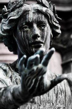 """minowly: """" FourthEye Photography Projects - Statue of Edinburgh, Gladstone Memorial """" Gothic Aesthetic, Slytherin Aesthetic, Aesthetic Art, Aesthetic Pictures, Greek Statues, Angel Statues, Buddha Statues, Wal Art, Renaissance Kunst"""