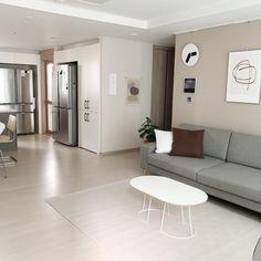 Korean Apartment Interior, Apartment Interior Design, Room Interior, D House, House Rooms, Tiny Living Rooms, Living Room Decor, Minimal House Design, Minimalist Room