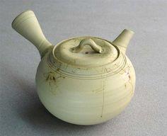 Tokoname teapot by Hakusan.