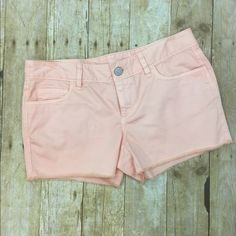 Peach LOFT shorts Brand new with tags size 27/4 LOFT Shorts