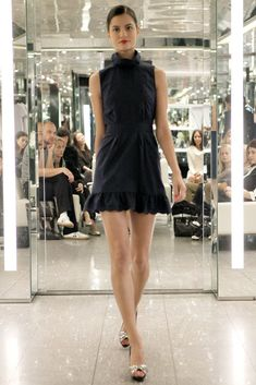 Azzaro Spring 2011 Ready-to-Wear Fashion Show