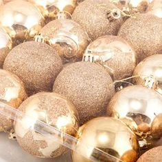Dia 6cm Lovely Christmas Balls Artificial Christmas Tree Christmas Decorations