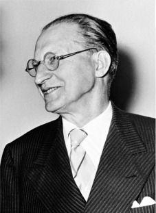 Alcide de Gasperi MNE de Itália, um dos fundadores do Conselho da Europa