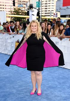She wore a CAPE and rocked the shit out of it. | Rebel Wilson Wore A Cape To The MTV Movie Awards And Looked Goddamn Flawless