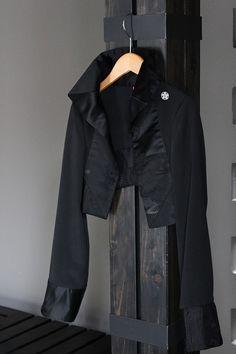 画像: 帯トリムドボレロ Cute Kimonos, Japanese Kimono, Corset, Upcycle, Leather Jacket, Costumes, Jackets, Clothes, Black