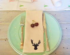 Reindeer napkins - olsoul.com.au #napkin #christmas #christmastable #tablescape #napery
