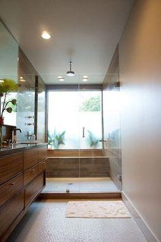 Bathtub/shower, nice solution if you have a long, narrow bathroom. Bathroom Renos, Bathroom Layout, Bathroom Renovations, Bathroom Interior, Long Narrow Bathroom, Small Bathroom, Modern Bathroom, Bad Inspiration, Bathroom Inspiration