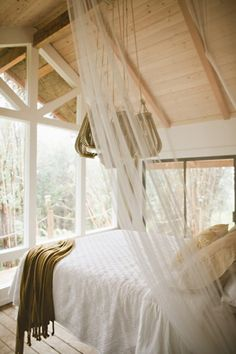 This Tiny Hawaiian Treehouse Is All Your Dreams Come True (And Its On AirBnB)