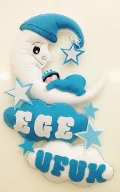 Felt baby gift, Kee Kap Ss, Ege ve Ufuk Kardelerin Keeden Kap Ss - gulsumo Foam Crafts, Crafts To Do, Diy Crafts, Felt Crafts Patterns, Felt Angel, Felt Wreath, Ideas Hogar, Hanging Mobile, Felt Baby
