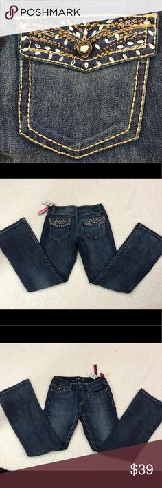 Women's Nwt INC Concepts Rhinestone jeans sz 6 New condition embellished INC International Concepts Pants Boot Cut & Flare