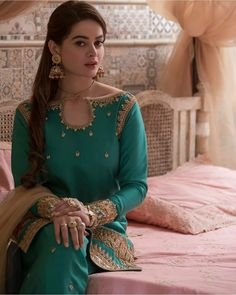 Pakistani Fashion Party Wear, Pakistani Wedding Outfits, Bridal Outfits, Wedding Lehnga, Desi Wedding, Indian Outfits, Indian Fashion, High Fashion, Women's Fashion