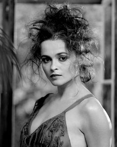 Let's start with Helena Bonham Carter, aka Queen of Crotch Rot. I think her lack of upper lip bow and perpetually nasty hair are the primary Crotch Rot indicators, but it's hard to be sure.  I have a friend who assures me that she is fresh as a daisy.  He is wrong.