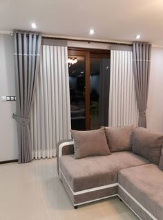 Pin by Aga on okna in 2019 Home Curtains, Modern Curtains, Gray Curtains, Curtain Styles, Curtain Designs, Classy Living Room, Living Room Decor, Dining Room Design, Room Colors