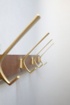 Mid Century Modern Brass And Wood Coat Rack, 4 Coat Hooks 60s Style  #lekosmosberlin