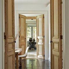 WOOD doors #interiordesign#decoinspiration#chicinteriors#wooddoors#timeless