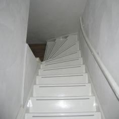 Trappenhuis schilderen op pinterest gestencilde trappen trappenhuis makeover en decoreren trappen - Idee voor trappen ...