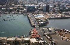 اجتماع في عدن يقر إنشاء مكتب خاص بعمال الشحن والتفريغ بالميناء