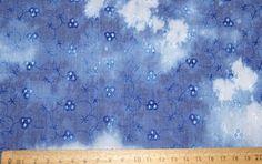 Sommer - Batikstoff mit Lochmuster blau bestickt