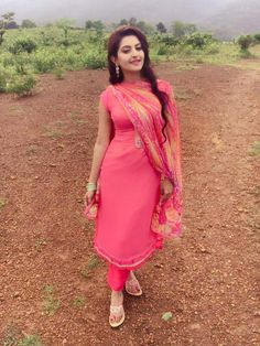 Beautiful Girl In India, Beautiful Girl Photo, Most Beautiful Indian Actress, Beautiful Models, Punjabi Girls, Punjabi Suits, Salwar Suits, Dehati Girl Photo, Desi Girl Image