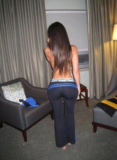 curves in yoga pants