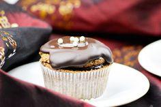 Die Sachertorten-Cupcakes sind das perfekte Rezept für jeden Anlass und das Highlight auf jeder Party.